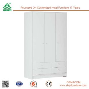 Wholesale Wooden Bedroom Furniture Three Door Wardrobe pictures & photos