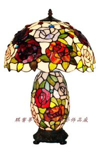 Tiffany Double Rose Cluster Table Lamp