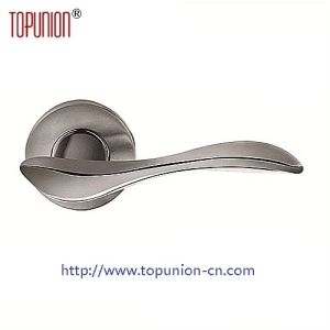 Ss304 Solid Casting Door Lever Handle (CLH025) pictures & photos