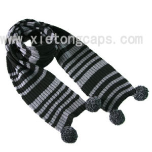 2017 Hot Knitted Scarf with Pompons (JRI063) pictures & photos