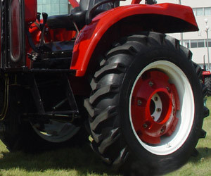 Jinma 4WD 30HP Wheel Farm Tractor with Ce Certification pictures & photos