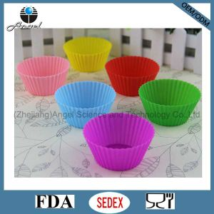 Hot Sale Silicone Muffin Mould Cupcake Mold Sc12 pictures & photos