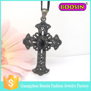 2016 Fashion Mens Gemstone Crystal Custom Jewelry Cross Silver Necklace pictures & photos