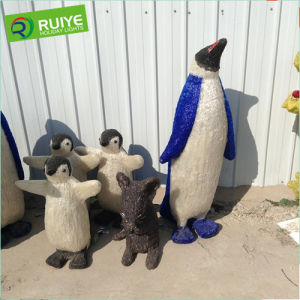 Beautiful Penguin Holiday Decoration Large Outdoor Christmas Light pictures & photos