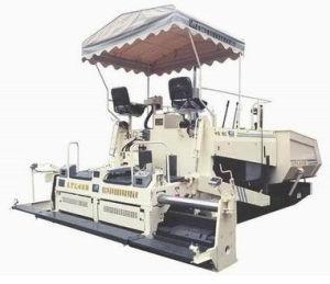 4.5 Meter Width Asphalt Paver Machine, Road Asphalt Patching Equipment pictures & photos