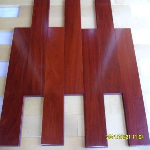 UV Prefinished Matt Lacqured Cumaru Solid Wood Flooring pictures & photos