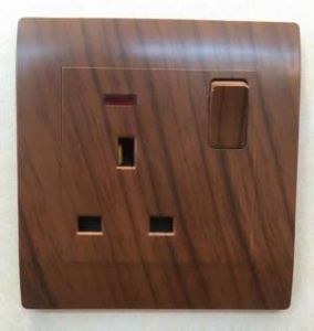 Electrical Wooden Color 13A Switched Socket with Neon pictures & photos