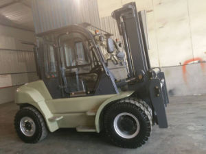 Wholesale China Driven Diesel Forklift Truck 5ton pictures & photos