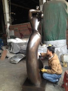 Specializing in The Production of Stainless Steel and Copper Sculpture Outdoor Garden pictures & photos