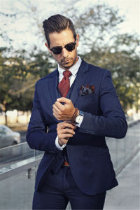 2-PC Navy Slim Fit Men′s Suits in Italian Style pictures & photos