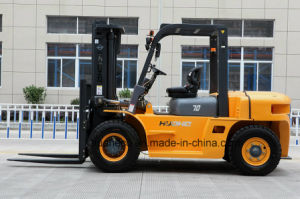 7.0Ton Diesel Forklift Truck with Japanese ISUZU Engine(HH70Z-W6-D) pictures & photos