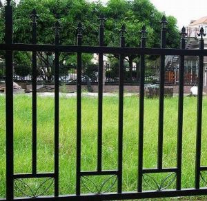 Yard Ornamental Black and White Wrought Iron Palisade Fence pictures & photos