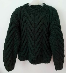Hand Knit Girls Ladies Women Sweater Knitwear Apparel Cardigan Pullover pictures & photos