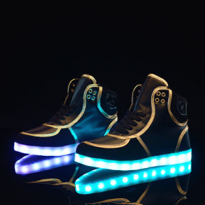 OEM Customized Rechargeable Light up LED Shoes pictures & photos