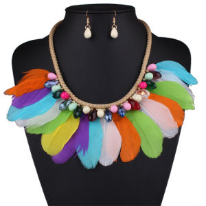 Fashion Bohemia Feather Crystal Braided Rope Choker Necklace Earring Set Jewelry pictures & photos