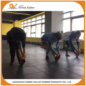 Anti-Shock 15-40mm Thick Gym Floor Rubber Carpet Rubber Tiles pictures & photos