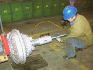 Hydraulic Puller for Coupler pictures & photos
