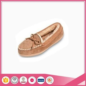 Micro Suede Men Moccasin Shoe Slipper pictures & photos