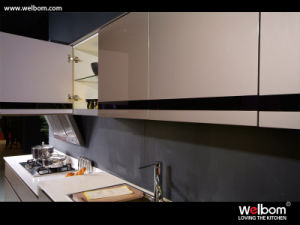 Welbom Standard Lacquer Kitchen Cabinet Set with Countertop and Sink pictures & photos