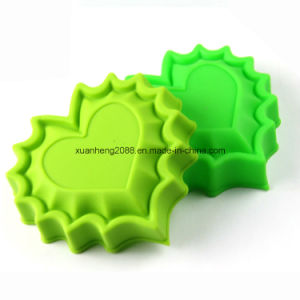 Cake Tools Type Heart Shape Silicone Waffle Mold Heart Silicone Cake pictures & photos