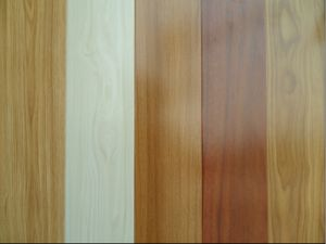 Low Price Crystal Surface 8mm HDF Laminate Wood Flooring pictures & photos