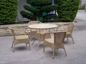 Garden Furniture Rattan Dining Set Table and Chairs pictures & photos