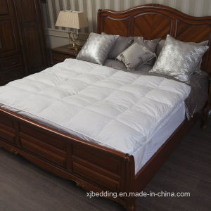 Soft Comfort Natural Feather Mattress Topper pictures & photos