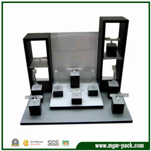 2016 New Luxury Acrylic Watch Display for Storaging pictures & photos