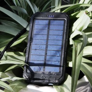 10000mAh Portable Rugged Shockproof Dual USB Solar Battery Charger pictures & photos