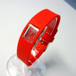 Fashion Silicone Quartz Wrist Watch for Ladies pictures & photos