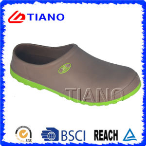 High Quality Casual Shoes Comfortable Clogs (TNK30017) pictures & photos