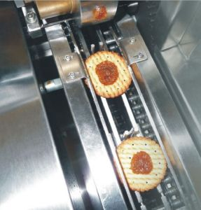 Pineapple Jam High Speed Sandwiching Machine pictures & photos