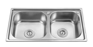 Double Bowls Stainless Steel Sink (6637) pictures & photos