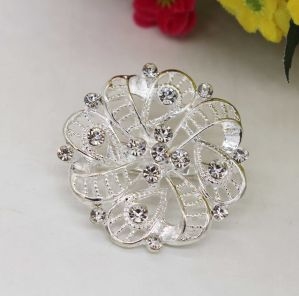 Fashion Rhinestone Jewelry Brooch Charms for Clothes (TM013) pictures & photos