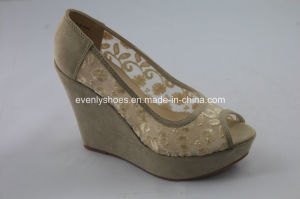 Platform Design Women Dress Shoes with Embroidery Upper pictures & photos