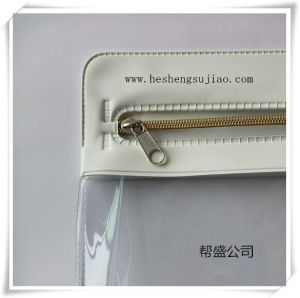 High Quality PVC Toiletry Pouch with Silver Plastic Zipper pictures & photos