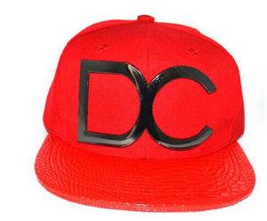 2017 New Flat Brim Snapback Hats Custom Straps pictures & photos
