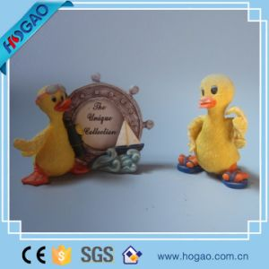 Resin Lovely Yellow Duck Picture Photo Frame pictures & photos