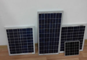 Polycrystaline 5W to 200W, Solar Panels for House Hold pictures & photos
