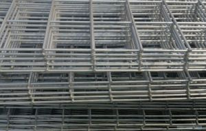 China Supplier of 2*2 Galvanized Welded Wire Mesh Panel pictures & photos