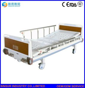Hospital Ward Furniture General Use Luxury Manual Double-Shake Medical Beds pictures & photos