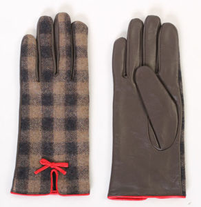 Lady Fashion Sheepskin Leather Driving Dress Gloves (YKY5169-1) pictures & photos