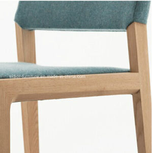 (SD-1001) Modern Hotel Restaurant Wood Frame Fabric Upholstery Restaurant Chair pictures & photos