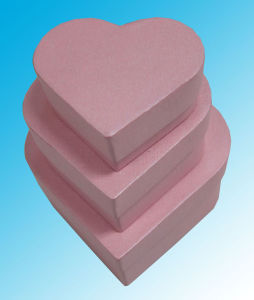 Pink Heart Shape Chocolate/ Candy Paper Boxes pictures & photos