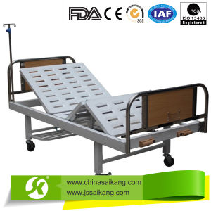 China Supplier Height Adjustment 3 Function Manual Bed pictures & photos