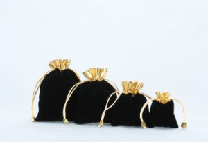 Black Velvet Jewelry Roll Bag with Gold Raffia pictures & photos