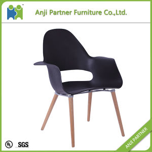 Black Style PP Seat and Back with Wooden Legs Dining Room Chair (Hulda) pictures & photos