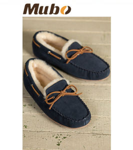 Bowknot Design Sheepskin Moccasin Casual Shoes for Men and Women pictures & photos