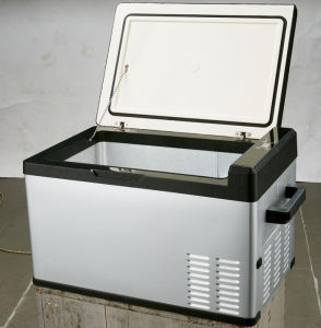 Portable DC Mini Refrigerator for Vehicle, RV, Camper and Boat pictures & photos