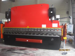 Heavy Duty CNC Bending Machine with Da52 pictures & photos